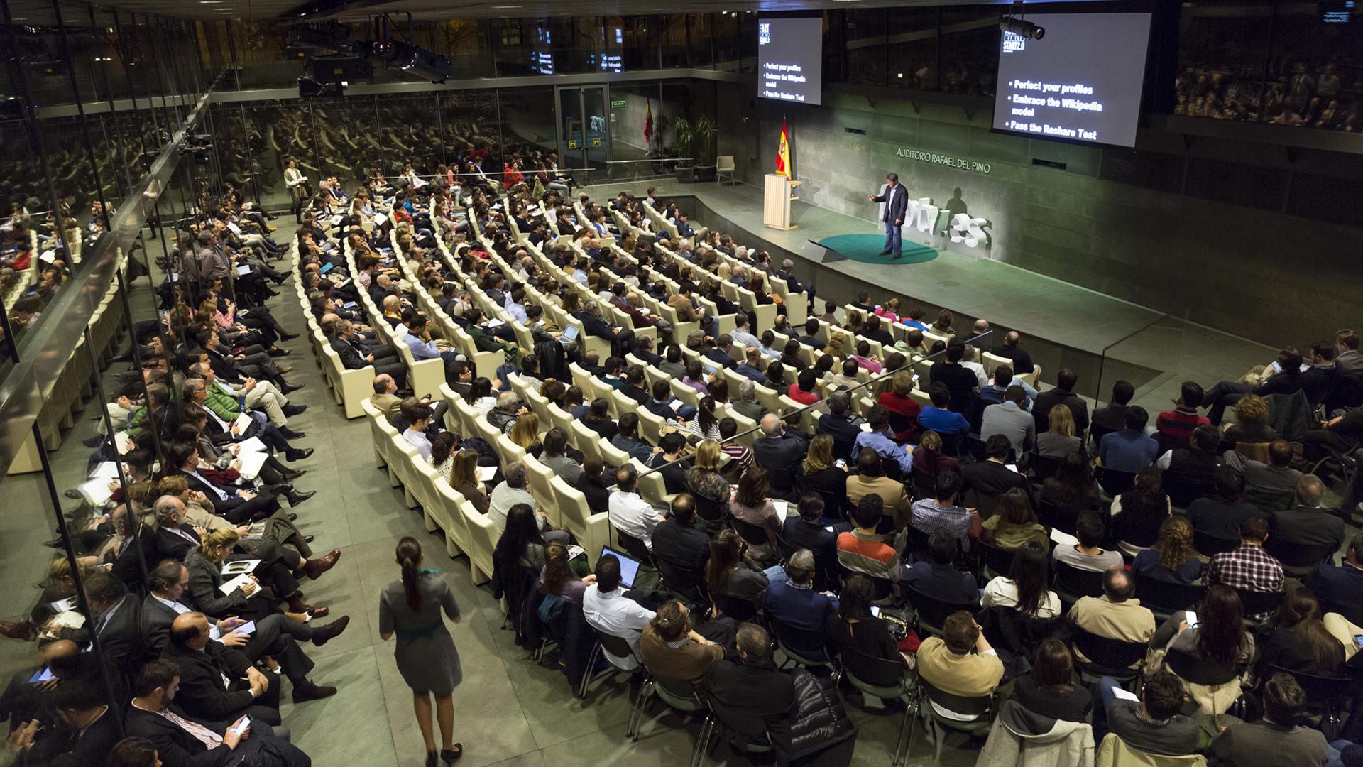 """La Fundación Rafael del Pino organiza la conferencia magistral """"El arte de los negocios en un mundo 2.0"""" que pronunciará el profesor Guy Kawasaki. En Madrid, el 1 de febrero de 2016. DS"""