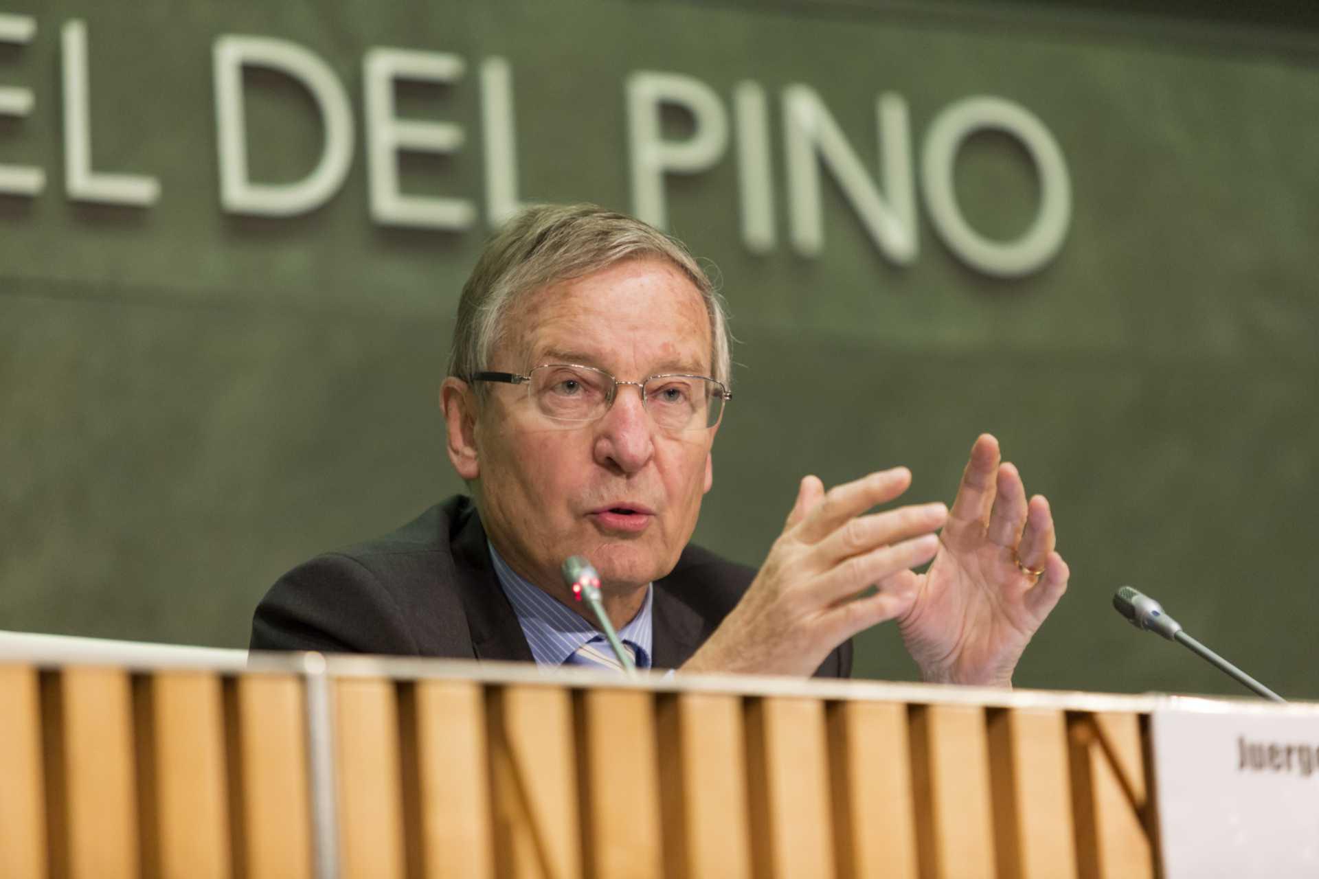 """La fundación Rafael del Pino la conferencia magistral de Juergen Donges """"Crecimiento o austeridad, un falso dilema""""  En Madrid el 25 de noviembre de 2014."""