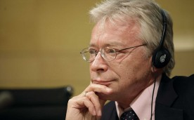 "La Fundación Rafael del Pino organiza el 20 de junio a las 19 horas, la Conferencia Magistral de Hans-Hermann Hoppe titulada ""from Aristocracy to Monarchy to Democracy. A Tale of Moral and Economic Folly and Decay"". La conferencia irá seguida de un diálogo del profesor Hoppe con Pedro Schwartz, Catedrático Rafael del Pino en la Universidad CEU San Pablo."