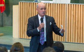 """La Fundación Rafael del Pino organiza la Conferencia Magistral de Jeremy Rifkin """"La sociedad de coste marginal cero"""" con motivo de la publicación de su último libro de igual título. En Madrid el 15 de septiembre de 2014."""