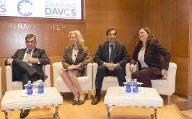 Shaping Davos es una iniciativa del Foro Económico Mundial liderada y desarrollada por Global Shapers con el apoyo dela Fundación Rafael del Pino. Por primera vez, se organizan sesiones paralelas al Foro de Davos en 40 ciudades del mundo, entre ellas Madrid, en torno a los temas de la agenda de Davos 2015, con líderes y expertos de los diferentes países. En Madrid, estas actividades se celebrarán los días 21, 22 y 23 de enero en la sede de la Fundación, las mismas fechas en las que se celebra el Foro de Davos.