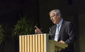 """La Fundación Rafael del Pino organiza la Conferencia Magistral """"La Unión Europea y la crisis migratoria: ¿cómo actuar y cómo no?"""" que pronunciará Juergen B. Donges. En Madrid, el 17 de noviembre de 2015. DS"""