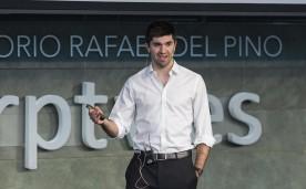 """La Fundación Rafael del Pino acoge la presentación del libro """"Pangea"""", un libro que pretende impregnar en todos los jóvenes la mentalidad del """"querer es poder"""" y dejar claro que no existen barreras para alcanzar los sueños si de verdad existe la actitud correcta y la pasión por lo que uno hace. En Madrid el 6 de abril de 2016. DS"""